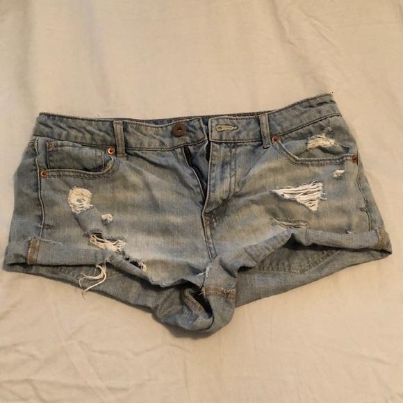 Bethany Mota Pants - Bethany Mota ripped jean shorts